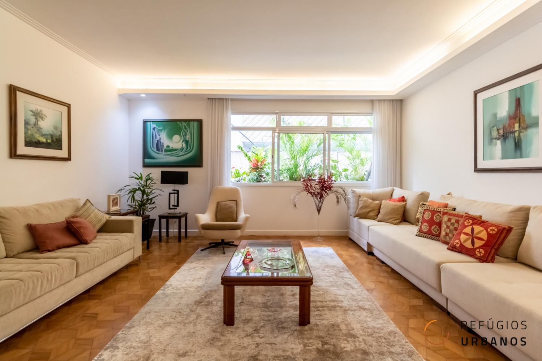 Em Santa Cecilia, apartamento térreo com 195 m², todo reformado, com sala ampla, 3 quartos incríveis, sendo 2 suítes e 1 vaga.