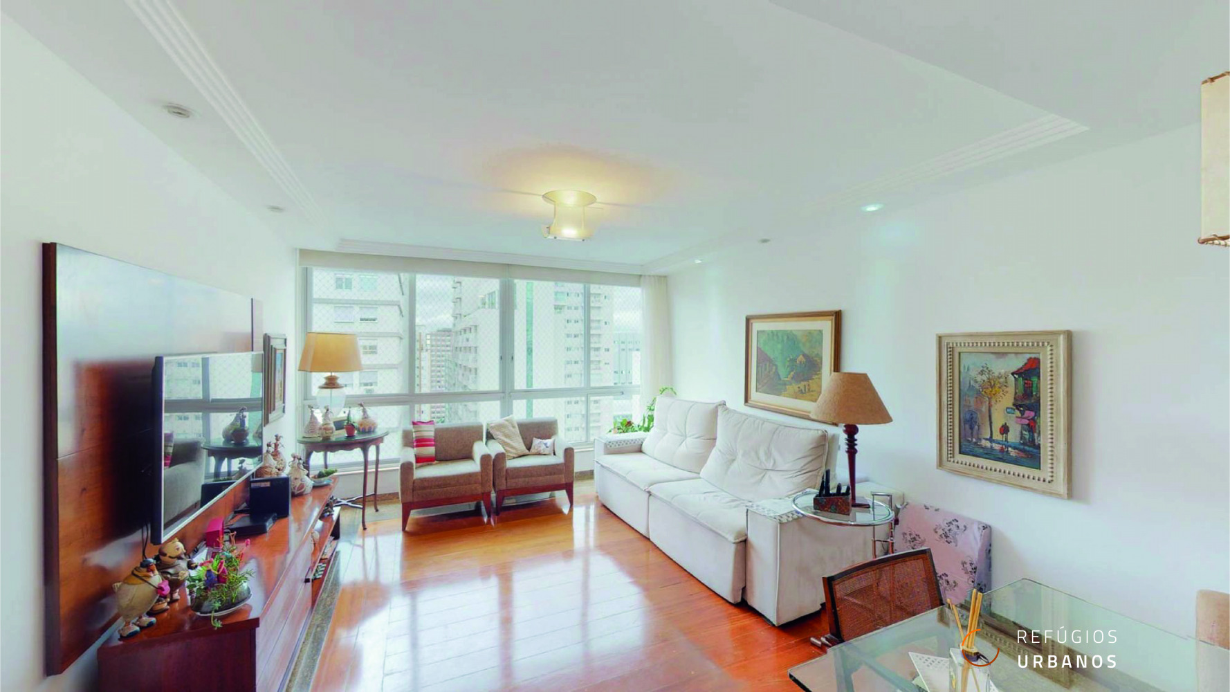 Apartamento de 145m² na Bela Vista em andar alto com três dormitórios, sendo uma suíte e duas vagas de garagem em prédio equipado com lazer