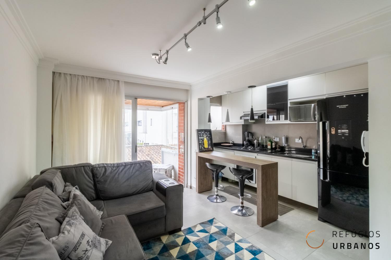Moema Índios, apartamento com 43 m2, 1 quarto, cozinha americana, varanda integrada 1 vaga. Prédio com lazer e serviço de lavanderia.