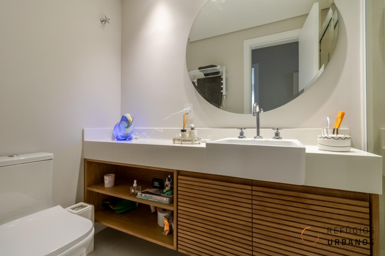 Apartamento de 86 metros quadrados de área útil, reformado, perto do parque do povo, 3 dormitórios sendo uma suite e 1 vaga no Itaim!