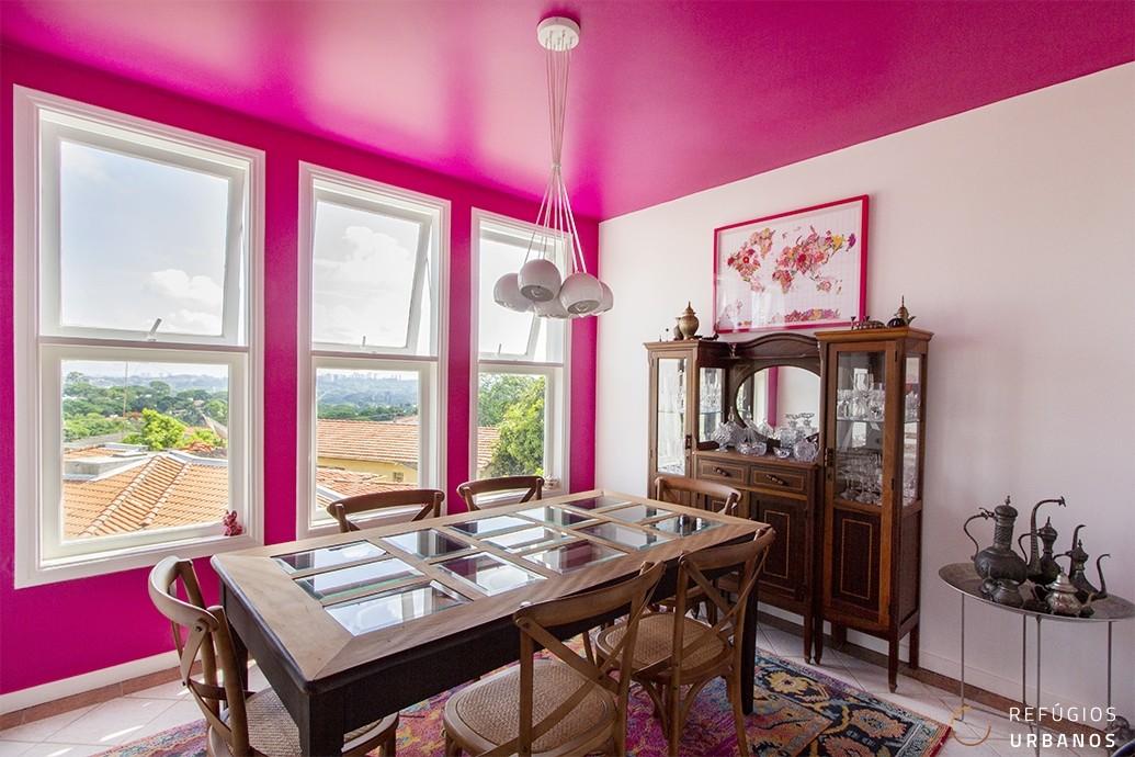 Na Vila Beatriz, casa com 172m² de área construída, 3 quartos e uma deliciosa área externa! Em rua tranquila, perto de praças e muito verde!