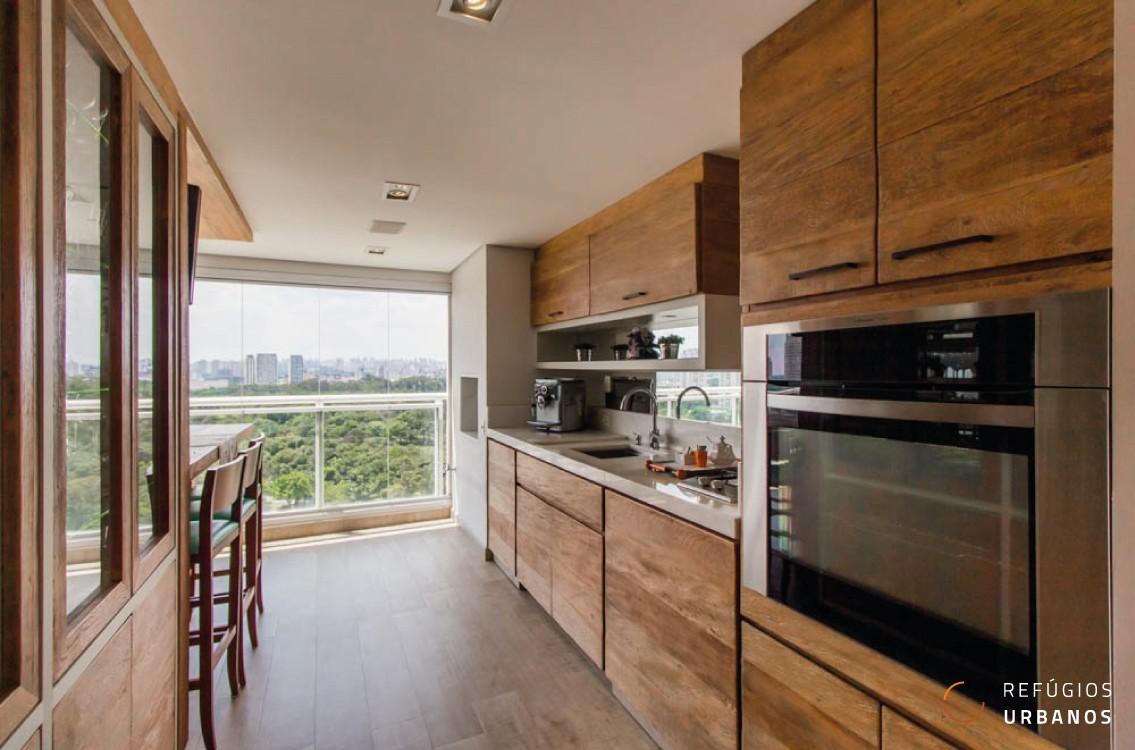 Incrível apartamento com 266m2 na região do Jardim Marajoara, 04 suítes, 04 vagas, área de lazer completa e uma vista de tirar o fôlego.