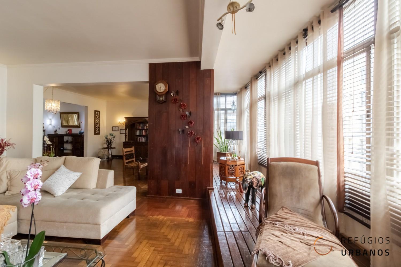 Apartamento na Republica, Av. São Luis, no icônico Ed. Moreira Salles, grandioso, com 310m2 construídos, 3 quartos, sendo uma suite e 1 vaga.