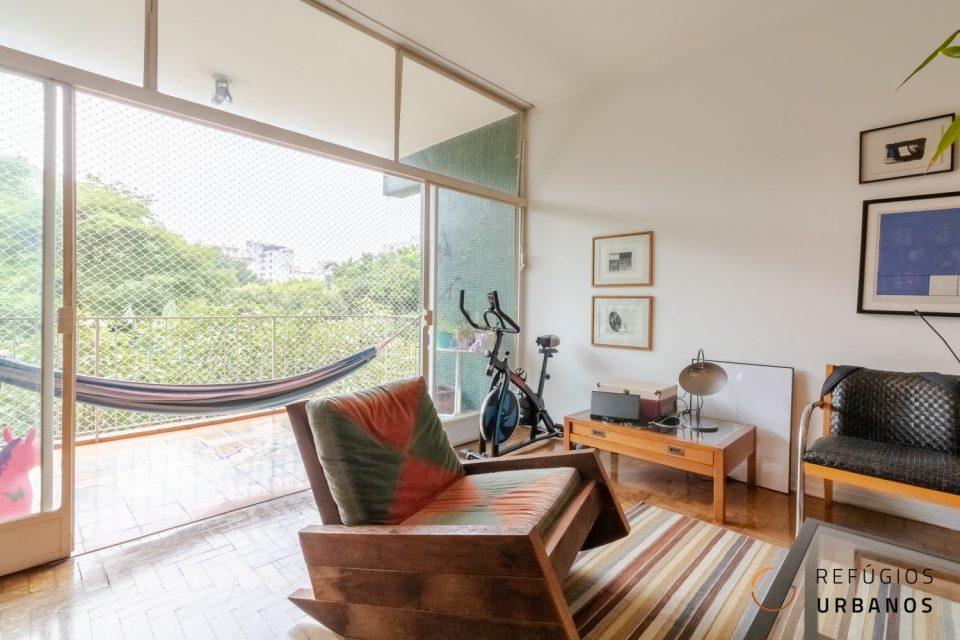 Apartamento em Higienopolis, em frente ao Parque Buenos Aires com 180m2, com varandão, 3 quartos, sendo 1 suite e uma vaga.