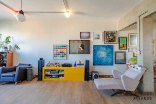 Jardim Paulista, apartamento de 155 m2, 2 quartos/1 suíte, lavabo, ambientes amplos e integrados, janelão com super vista, 1 vaga.