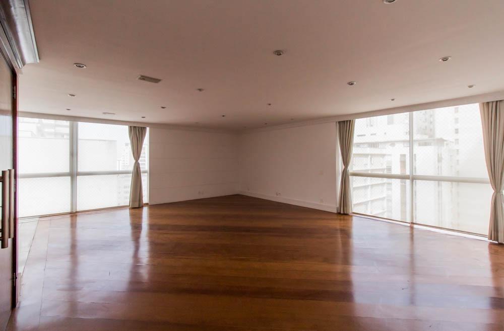 Apartamento de 184 metros quadrados, com janelão piso teto, com 3dormitórios, sendo 1 suite master e 1 vaga no Jardim Paulista!