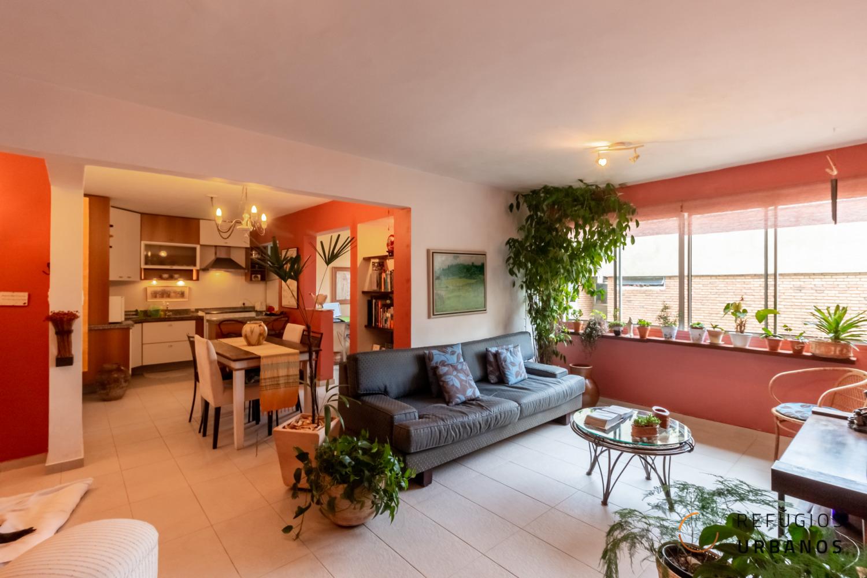 Moema Pássaros, apartamento com 110 m2, planta versátil com 3 quartos/1 suíte, lavabo, 1 vaga. Curta caminhada do Ibirapuera.