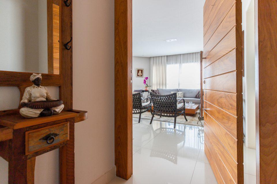 Vila Mascote apartamento em andar alto e muito espaço, todo reformado com 150m2, 03 dorm com 01 suíte, living com 3 ambientes, 03 vagas.
