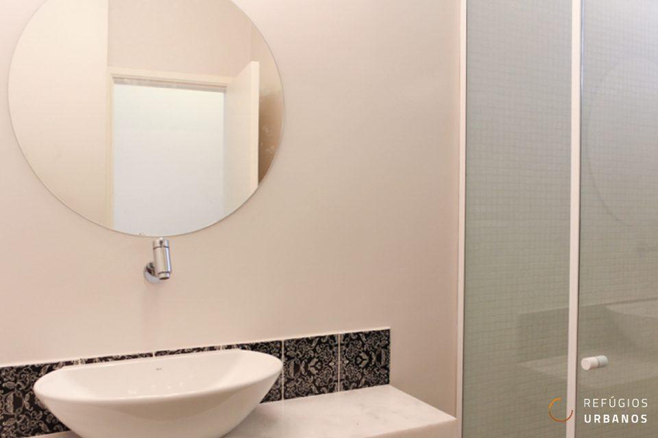 Apartamento de 35m2 muito bem distribuídos completamente reformado em edifício icônico na Consolacao arquiteto Franz Heep