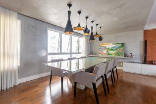 Apartamento na Chácara Flora com 310 M2, 04 suítes, 05 banheiros e 04 vagas e condomínio completo. Perfeito para uma família.