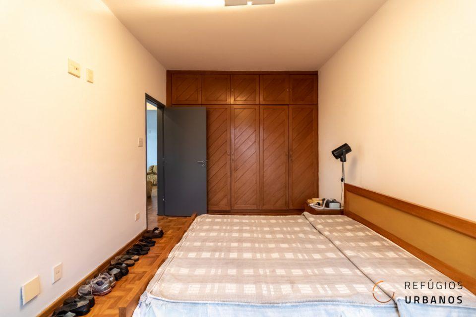 Em Santa Cecilia, com 101m², sala ampla, com dois quartos espaçosos servidos por 1 banheiro social grande, 1 vaga e lazer.