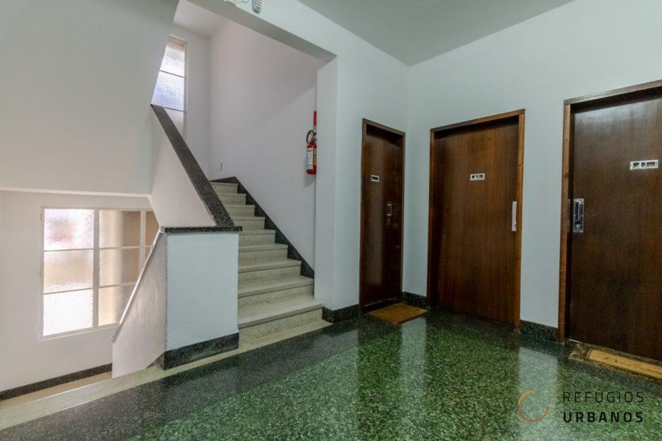 Apartamento no Edifício Hygienópolis do arquiteto Rino Levi. Para reforma com 99,22m², dois quartos, uma vaga. Região da Santa Cecilia.