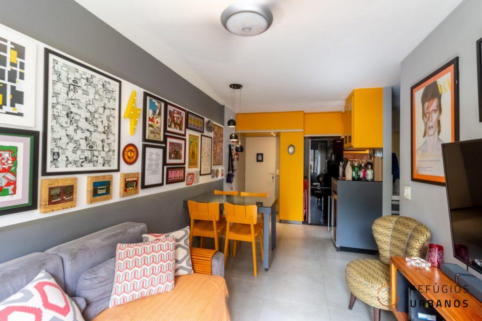 Apartamento reformado e colorido na Bela Vista com 38 metros quadrados, um dormitório e uma vaga de garagem