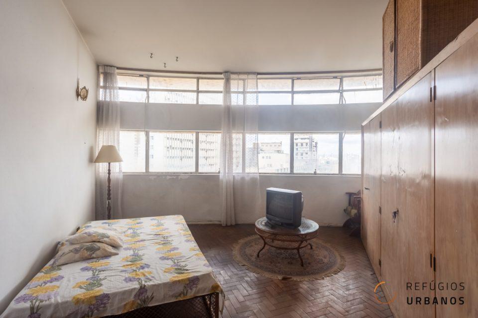 Na avenida Ipiranga, studios de 35 m² no edifício Montreal. A fachada arredondada permite as essas unidades uma vista privilegiada do centro.