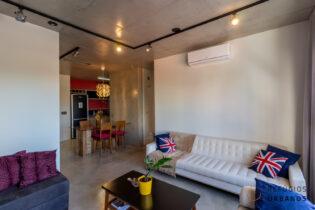 Apartamento MaxHaus Brooklin com 69m2, estilo industrial , 2 quartos, sendo uma suíte. Ar condicionado, uma vaga. Infra e lazer completo.