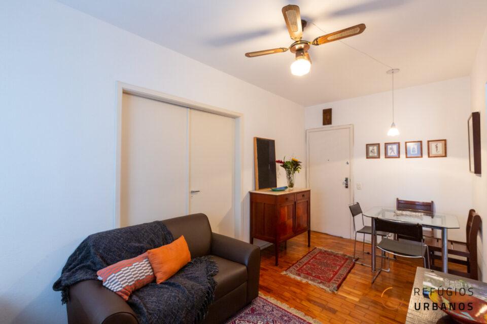 Avenida Angélica, Santa Cecília. São 37,75 m² com chão de taco na sala e no quarto! Já a cozinha e o banheiro foram reformados recentemente!