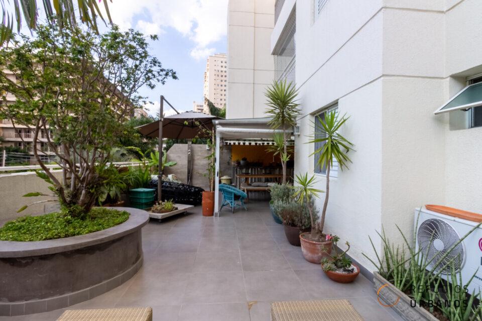 Garden na com ótima localização na Barra Funda. 117m2, sendo 63m2 de área externa, 1 dormitório, 1 banheiro + vaga em condomínio com lazer completo.
