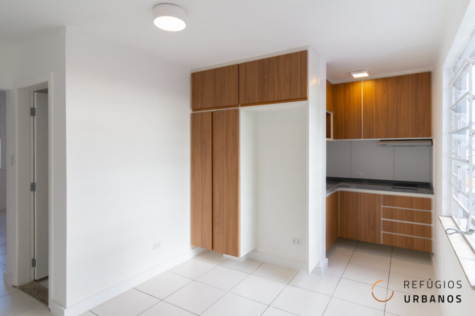 Nos Campos Eliseos: Apartamento reformado com 54m2, suíte, em andar alto com vista incrível, em prédio com história no centro de São Paulo.