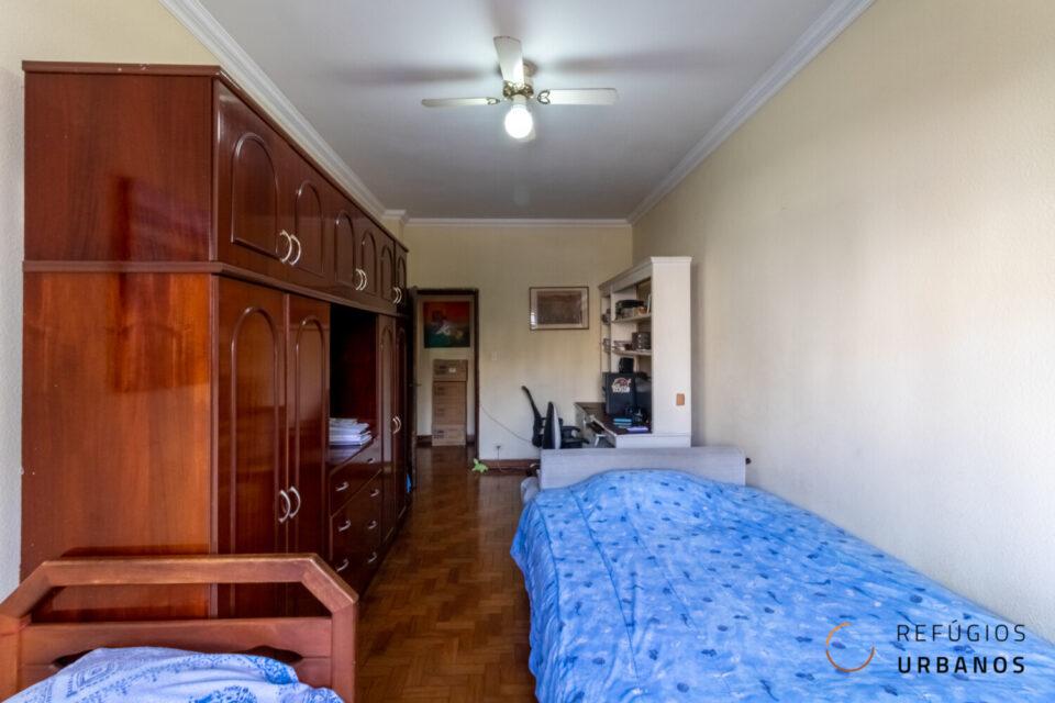 Ape de 90 metros , iluminado e grande potencial na Bela Vista, com 2 quartos , sala espaçosa e pequena varanda
