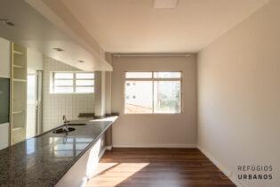 Vila Olímpia, apartamento reformado com 38 m2, 1 quartos, 1 vaga. Cozinha americana. Ótima localização. Pronto para morar!
