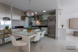 Localizado em Santa Cecilia, na rua Conselheiro Brotero, apartamento de 80 m2, possui 2 quartos sendo 1 suíte, sala integrada com a cozinha, 2 vagas e lazer completíssimo!