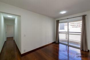 Apartamento com de 49 metros, 2 quartos, 1 banheiro, cozinha compacta com cooktop, 1 vaga, reformado e pronto pra morar na Frei Caneca.