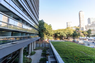 Downtown República com lazer completo na praça da República. Studio de 28m², opção para moradia ou renda com Airbnb ou aluguel.