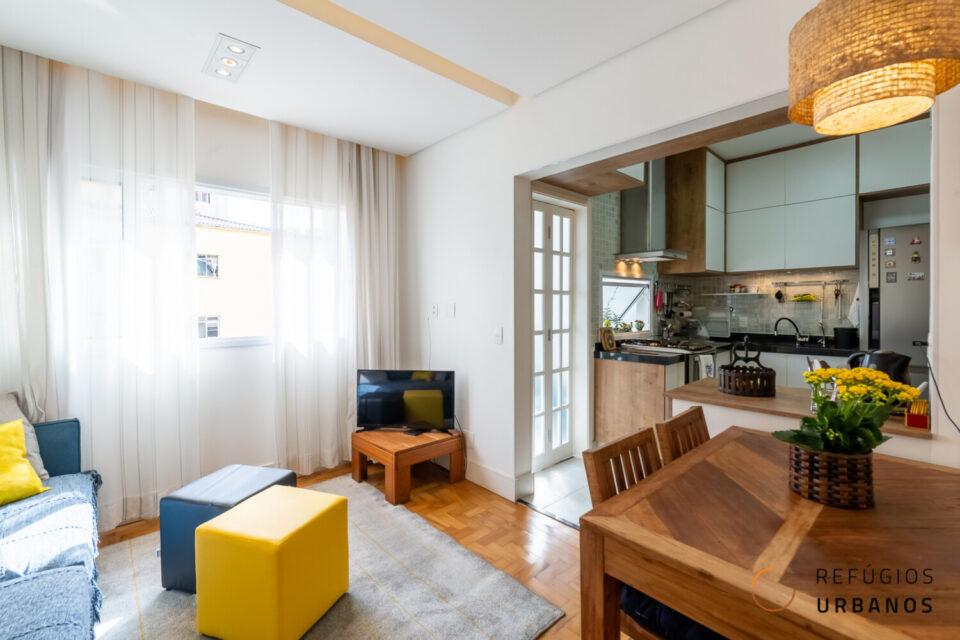 Com 76m2 esse apartamento em predinho está completamente reformado e lindo na Vila Clementino. Com 3 dormitórios e 2 banheiros completos. A 500m do Metro Hospital São Paulo