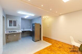 Apto reformadíssimo de dois dormitórios semi-mobiliado. 65,45m² na rua Bento Freitas, Vila Buarque! Chuveiro a gás e infra de ar condicionado.