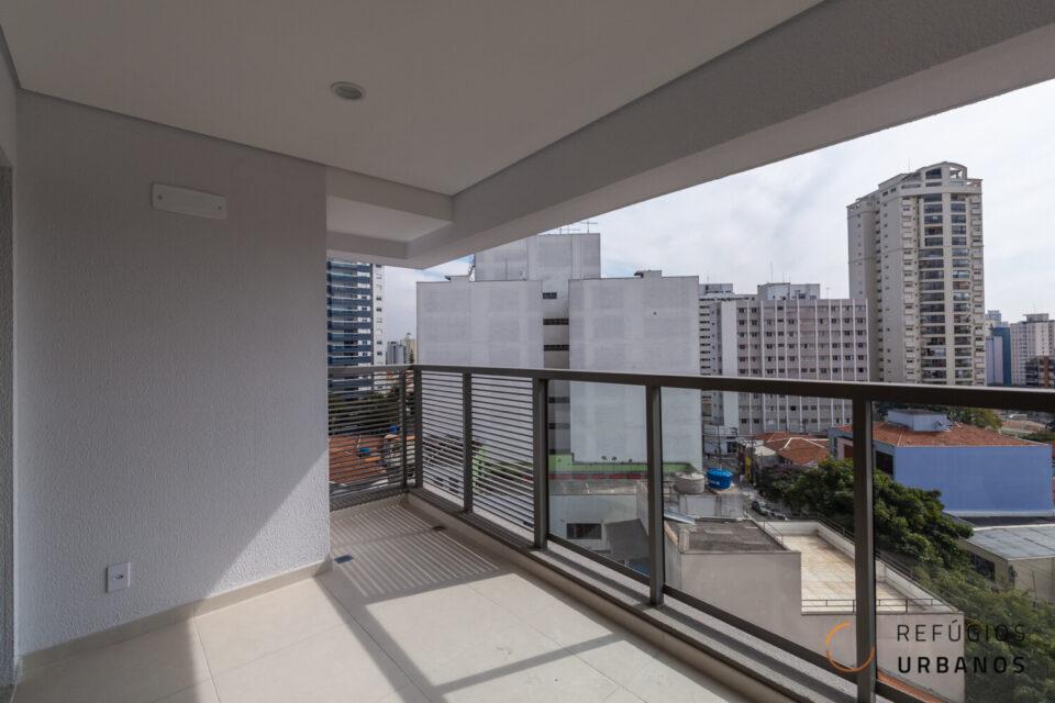 Um apartamento de 75m2, 2 suítes, sala integrada com a cozinha, varanda na sala e no quarto. Empreendimento novo com lazer completo na Vila Clementino.