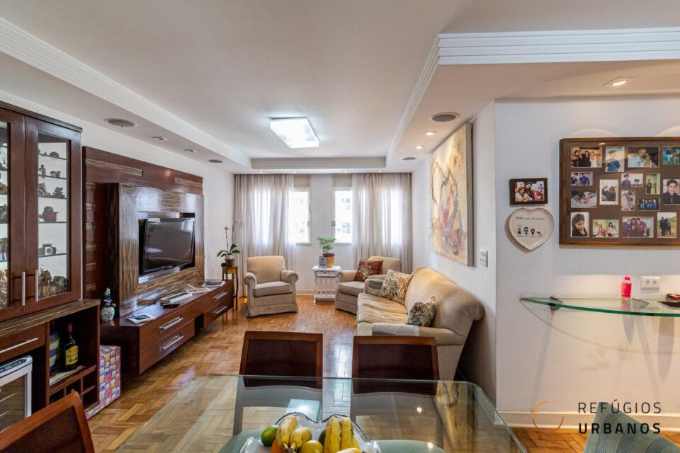 Na Barra Funda, apartamento amplo de 105M², 2 quartos, 2 banheiros e vaga escriturada, com ótima localização na Rua Tagipuru