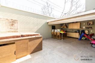 Planalto Paulista, encantadora casa em condomínio com 222 m2 de área privativa. 4 quartos/2 suítes. Ofurô e espaço gourmet. 3v.