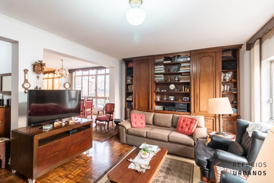 Apartamento em Higienopolis, rua Rio de Janeiro, com 215m2, os queridos janelões, verde, tranquilidade, 3 quartos, sendo uma suite e 1 vaga.