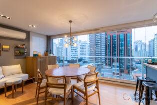 Moema Índios, apartamento com 76 m2, 2 quartos, varanda integrada com espaço gourmet, 2 vagas. Novinho. Prédio com lazer completo. Porteira fechada.