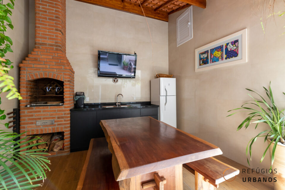Sua casa no tamanho ideal no Planalto Paulista, com 203m2 construídos, 2 suítes e uma área externa incrível com churrasqueira. Em uma área super residencial e gostosa do bairro.