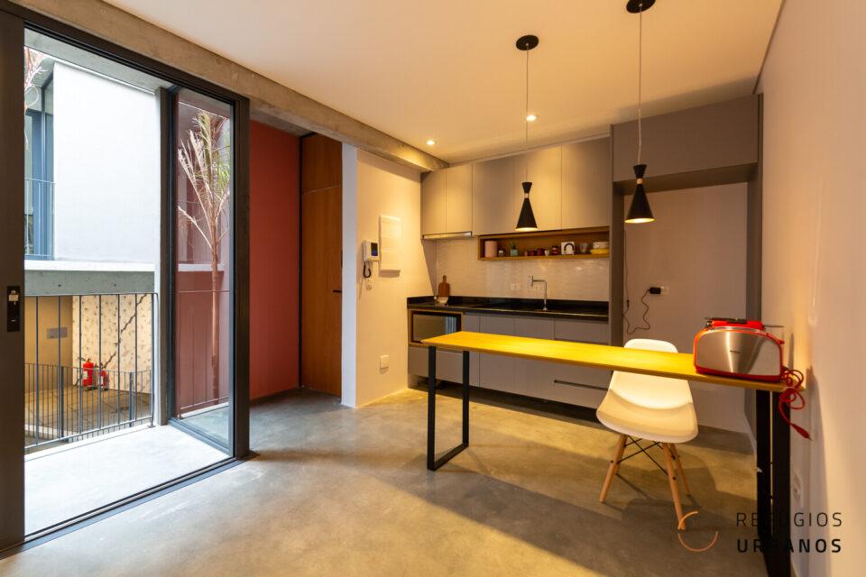 Brooklin, uma super localização, apartamento com 35m2, planta super inteligente, 1 quarto, varandinha. Predinho super charmoso. Sem vaga.
