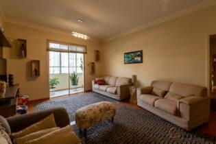 Uma excelente oportunidade com um super potencial para reforma na Barra Funda, apartamento com 120m2, varaganda, vaga, 3 dormitórios.