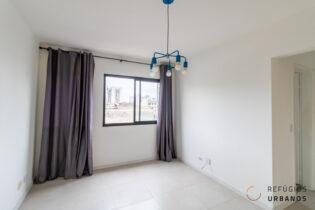 Ótima localização no bairro Barra Funda: apartamento com 54m2, 2 dormitórios, sacada, vaga e reforma com 5 anos, ótimo tanto para investimento quanto para moradia.